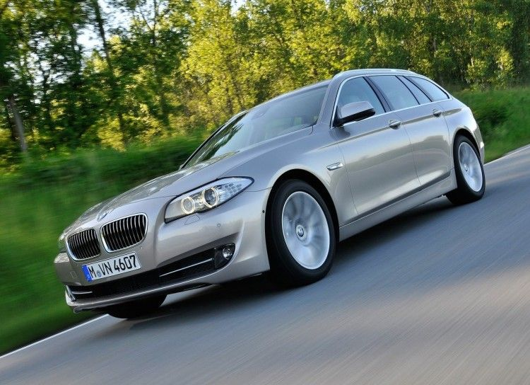 BMW 5 Series SE Model Used in Pictures