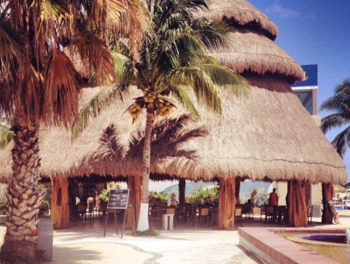 Beach Bar Isla Mujeres