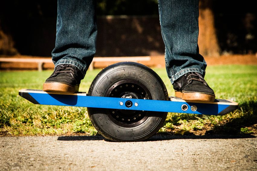 Self-Balancing Onewheel Electric Skateboard