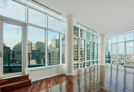 Oprah 39 s new york city penthouse for sale at 7 9 million for Zillow new york city