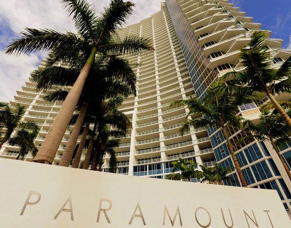 Lenny kravitz to create look for miami 39 s paramount bay condos for Paramount on the bay