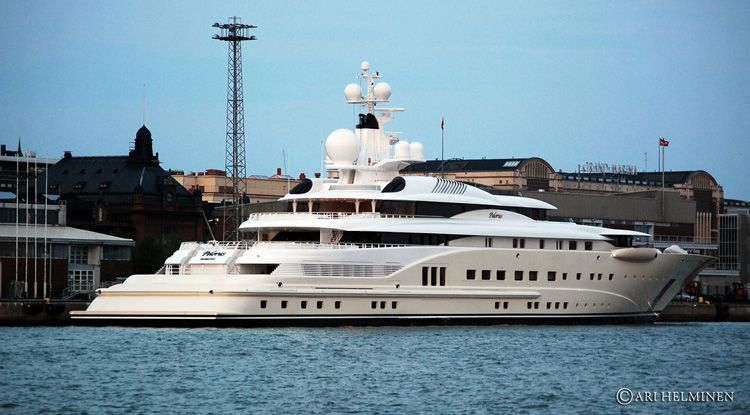Roman Abramovich Rules Celebrity Yacht Scene In St Barts