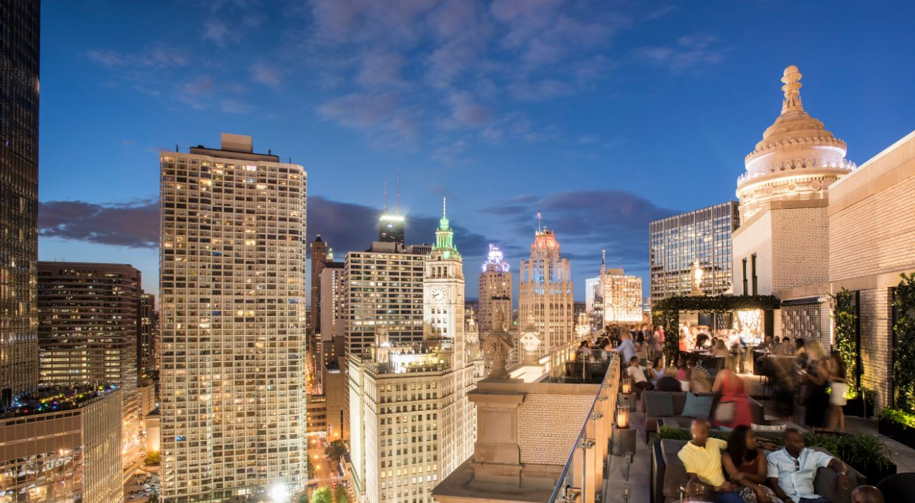 6 Chicago Hotels with Picture-Perfect Rooftops