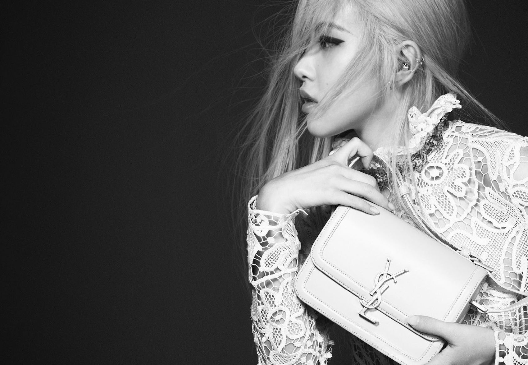 Anthony Vaccarello Appoints K-Pop's Rosé as the New Face of Saint Laurent post thumbnail image