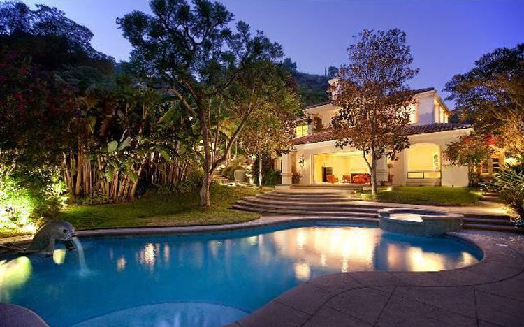 Sharon Stones Basic Instinct To Sell Her Beverly Hills Mansion