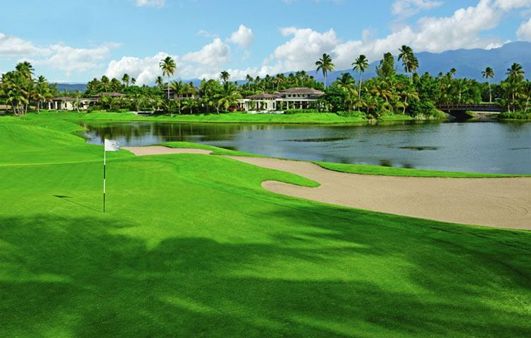 The St. Regis Bah�a Beach Resort golf course