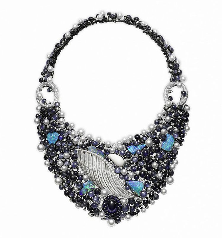Chinese Jewelry Brand Chow Tai Fook Gives Vips The Star Treatment