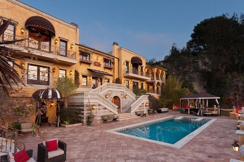 Villa Fiona italian estate