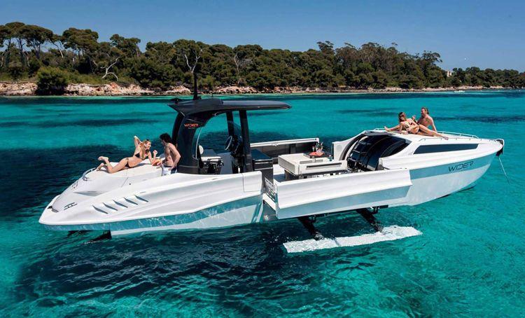 Wider 42' yacht