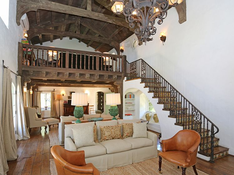 Reese Witherspoon's california Ranch