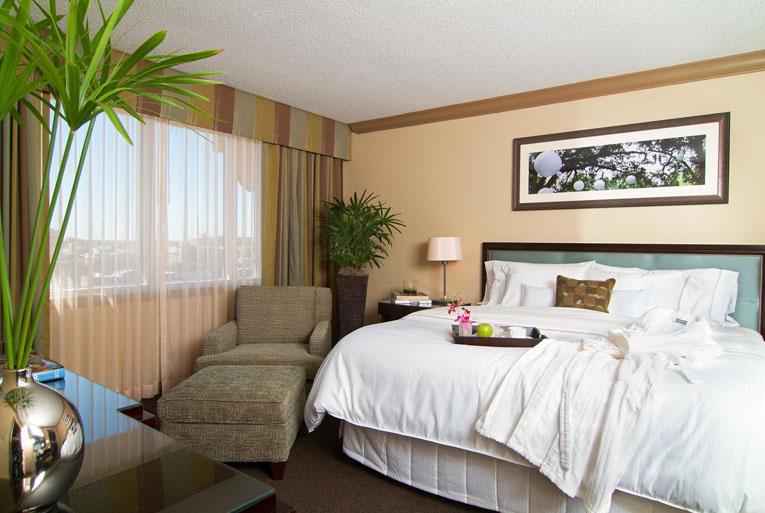 he Westin Savannah Harbor Golf  Resort & Spa