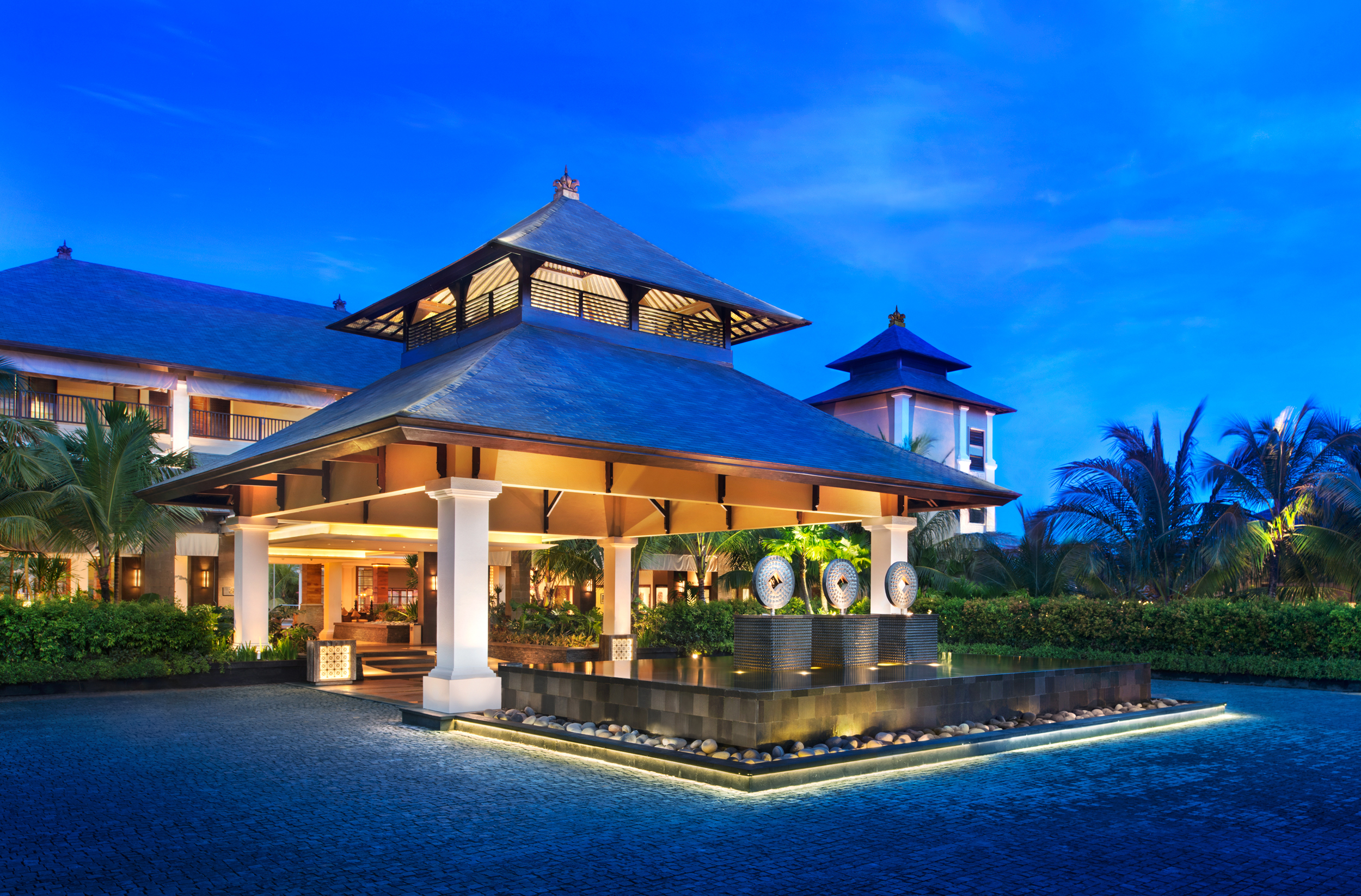The st regis bali resort in bali for Best hotel di bali