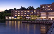 Woodmark Hotel, Yacht Club & Spa