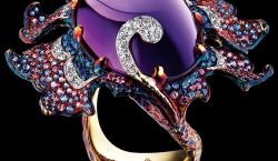 Jewellery Theatre Creates A Dramatic Fantasy Through Their Dream-like Designs