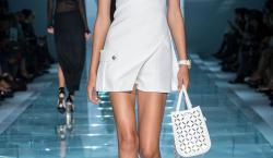 Versace SS15: An Experiment in Simplicity Pays Off With a Successful Collection