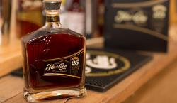 Let Flor de Ca?a's Slow-Aged Centenario 25 Draw You Into Its Smooth Tasting Notes