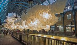 Stunning Balloon Installation Becomes the Breathing Heartbeat of London