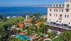 Why La Valencia is On Our List of Favorite San Diego Hotels for a Summer Getaway