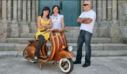 Portuguese Carpenter Gives the Vespa 98 a Wooden Makeover For His Daughter