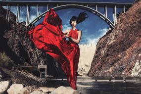 A Sky High Catwalk Takes Fashion to the Top of the Hoover Dam