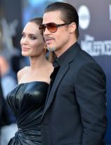 This Is Not a Drill� Brad Pitt & Angelina Jolie Tied the Knot in a Secret Ceremony!!!