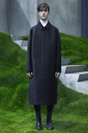 Alexander Wang Designs for Balenciaga, Finding a Minimalist Balance Between Both Brands