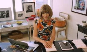 Anna Wintour Talks to <i>Vogue</i> About Selfies, Oliver Twist and Her Fear of Spiders