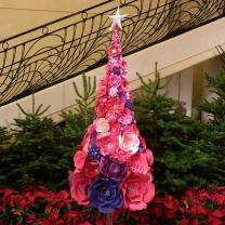 33 Designers Create Custom Christmas Trees for Charity at the Sapins de No�l des Cr�ateurs
