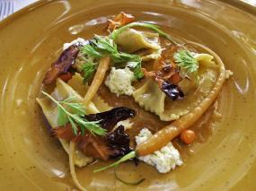 Kolabrautin: rabbit-filled ravioli with baby carrot and sea buc
