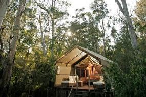 5 of Australia's Best Glamping Sites to Soak in All of the Country's Natural Beauty