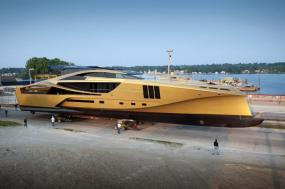 Palmer Johnson Unveils Golden 48M SuperSport Yacht in Sturgeon Bay