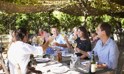 Black Barn Retreats of HawkeÂ's Bay: New ZealandÂ's Ultimate Vines, Wines and Dine Vacation