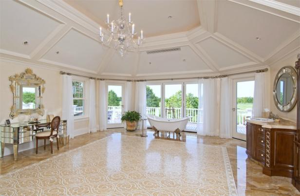 Beyonc�'s Family Hampton Retreat On Market for $43.5M