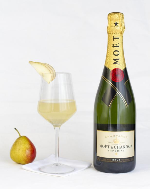 Mo�t & Chandon cocktail golden globes