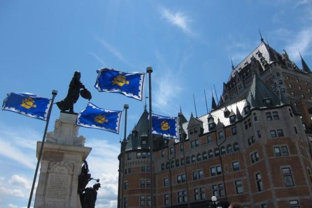 Ch�teau Frontenac and the Champlain Monument