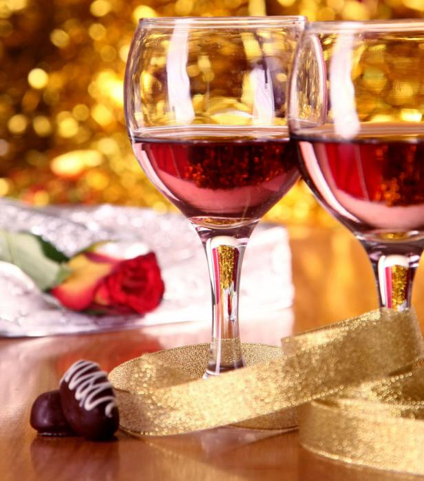 valentines day chocolate wine