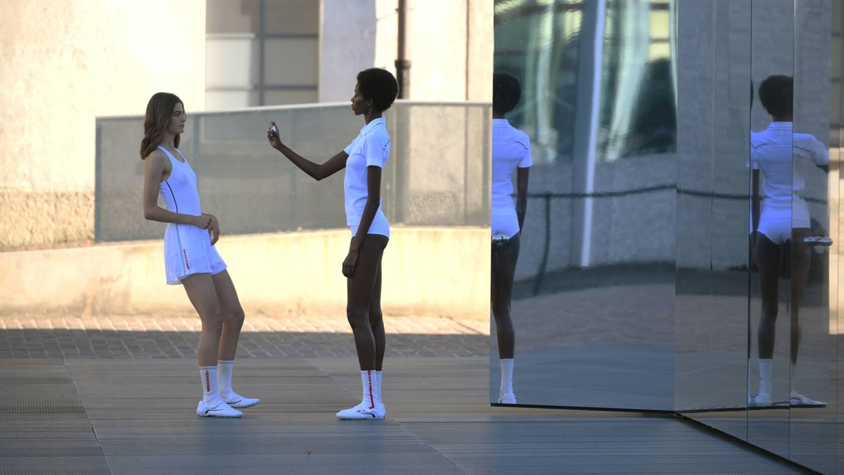 models in athleticwear