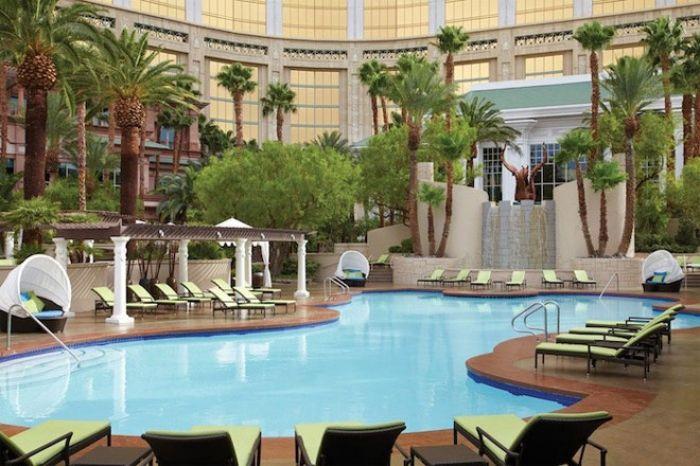 pool Four Seasons Las Vegas