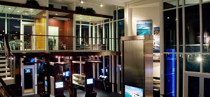 Platinum Luxury Auctions, domino, yacht auction