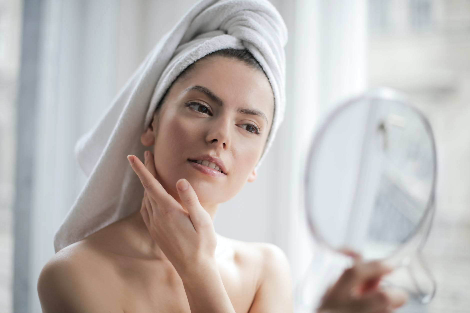 Essential Skin Care Tips To Follow This Summer