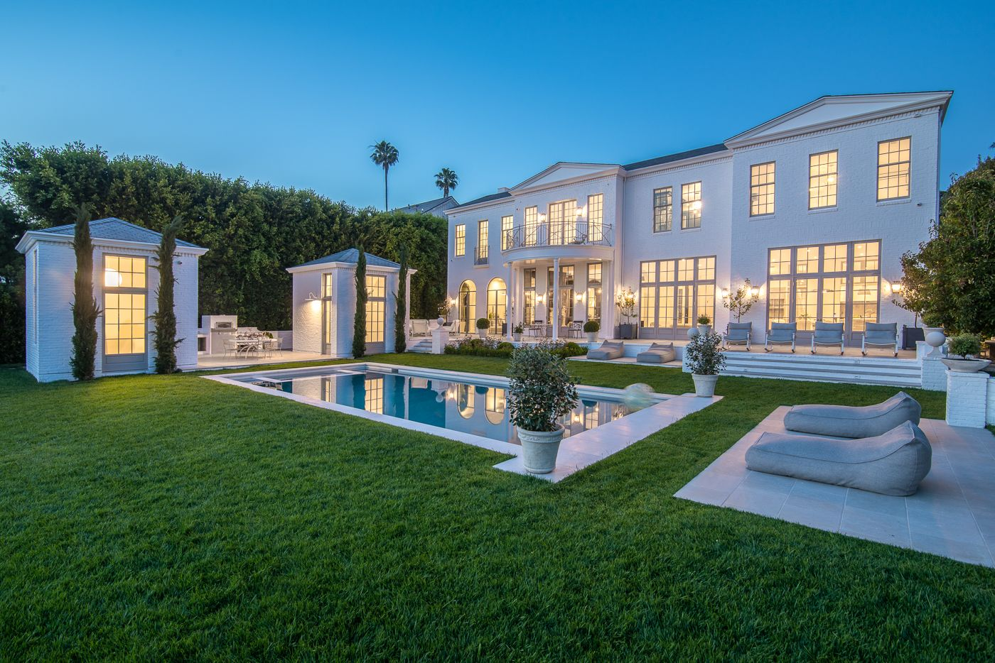Live Like Gwyneth Paltrow in This Brentwood Estate