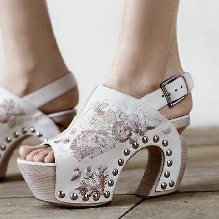 13b0058b95cb Best Women s Designer Shoes